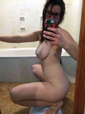 Cute young coeds making erotic selfies..