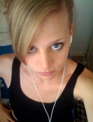 Blond selfie nackt